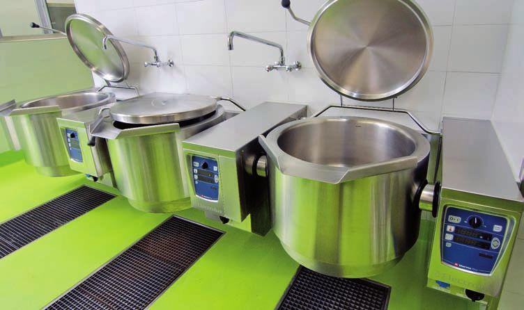une cuisine extr mement efficace au centre hospitalier de. Black Bedroom Furniture Sets. Home Design Ideas