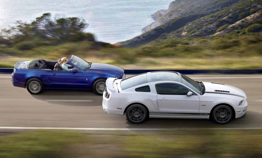 Ford Mustang 2013 Brochure